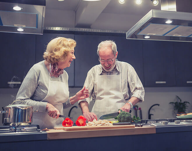 couple taking cooking class together